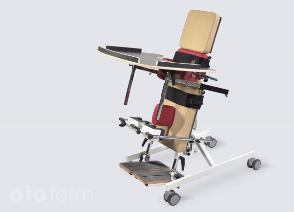 BS-100 als rugstatefel incl. verlengde kussens (smal/hoog), werkblad, romp-/bekkensteunen, abductiekussen en kniesteunen (accessoires)