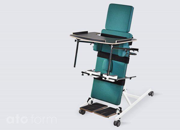 BS-300 als rugstatefel incl. verlengde kussens (smal/hoog), werkblad, romp-/bekkensteunen, abductiekussen en kniesteunen (accessoires)