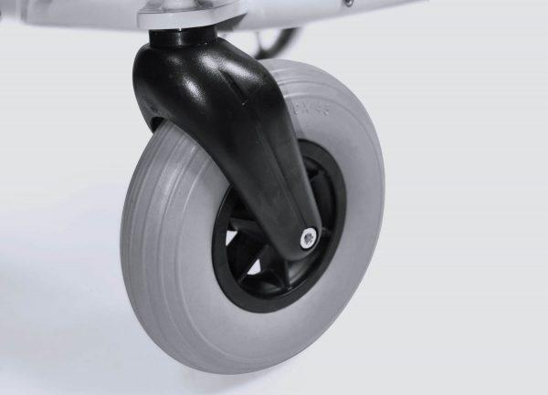 Twee massief rubberen zwenkbare voorwielen